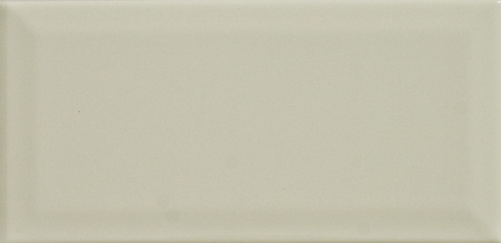 Biselado Crema 7.5x15 / 10x20. Cream Metro / Subway style bevelled ceramic wall tile.