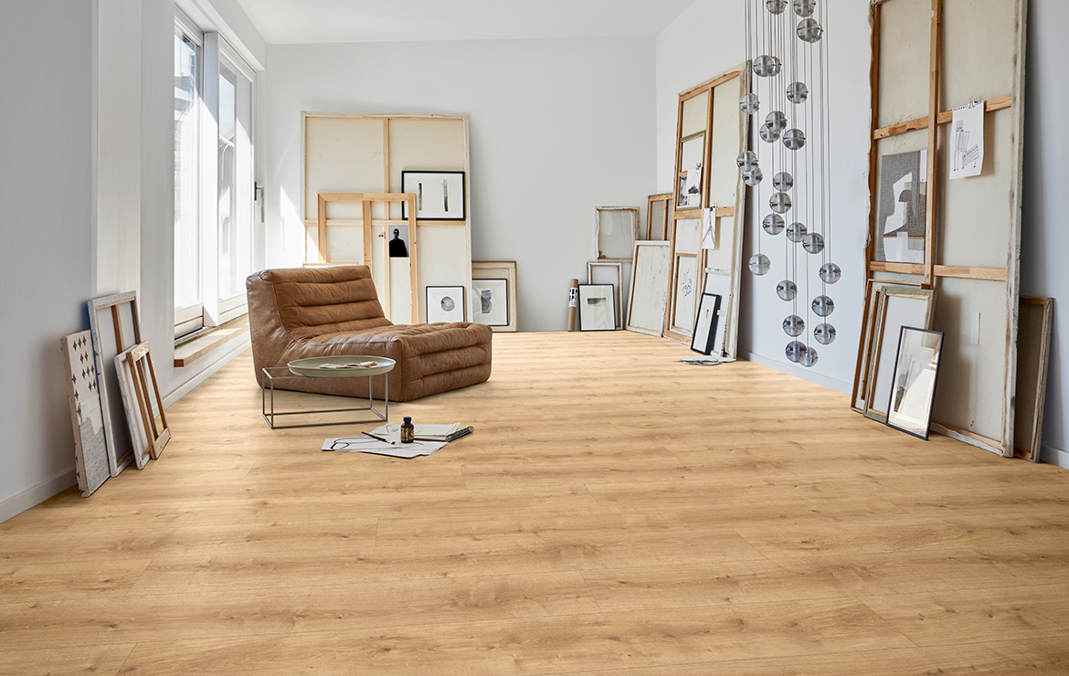 Home gallery interior design with resilient wood effect flooring Parador Module One Pure Natural Oak 2200x235x8mm.
