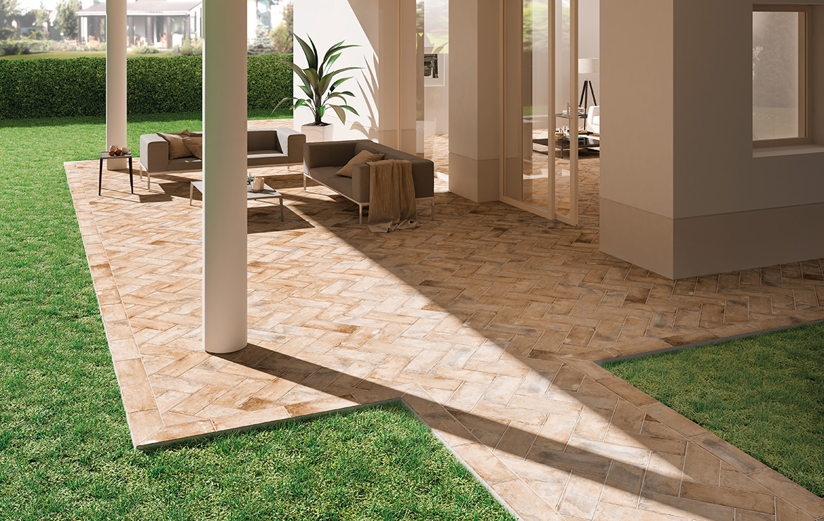 Vintage style patio floor design with brick effect tiles - Pave Brick Cotto 8x41.