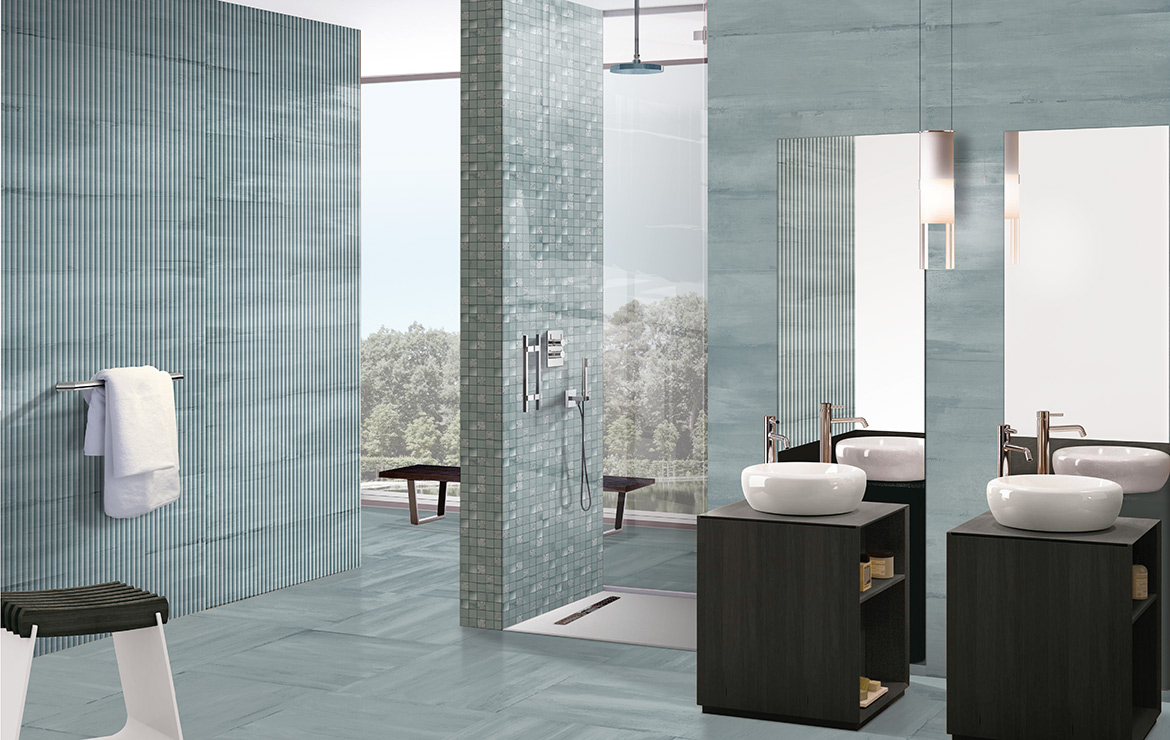 Modern style bathroom interior design with shaded and patterned wall and floor tiles - Sospiro Vento Ocean.