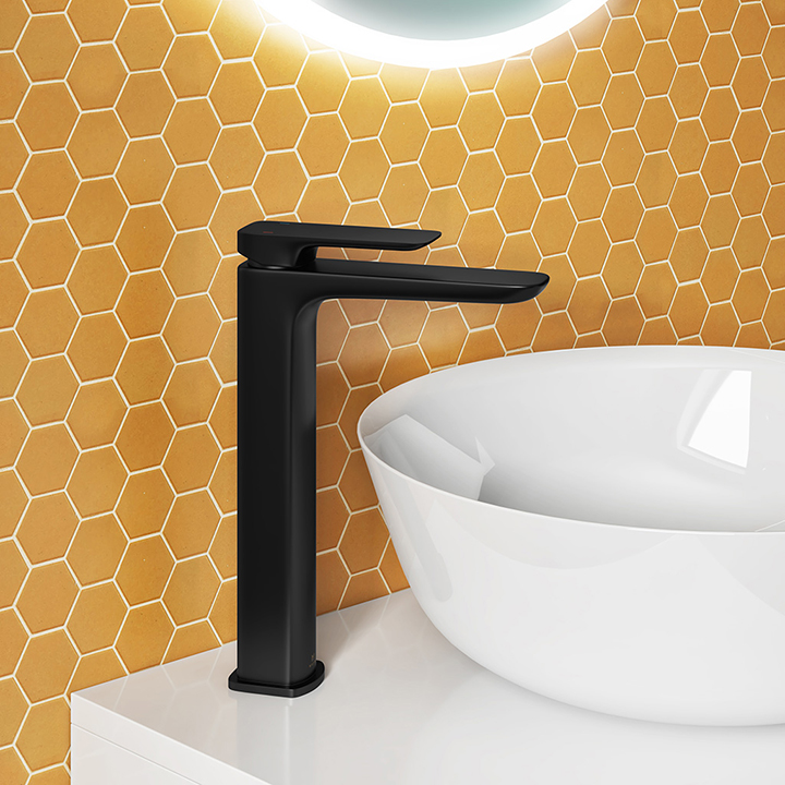 Tall basin tap - Pure Black Edition