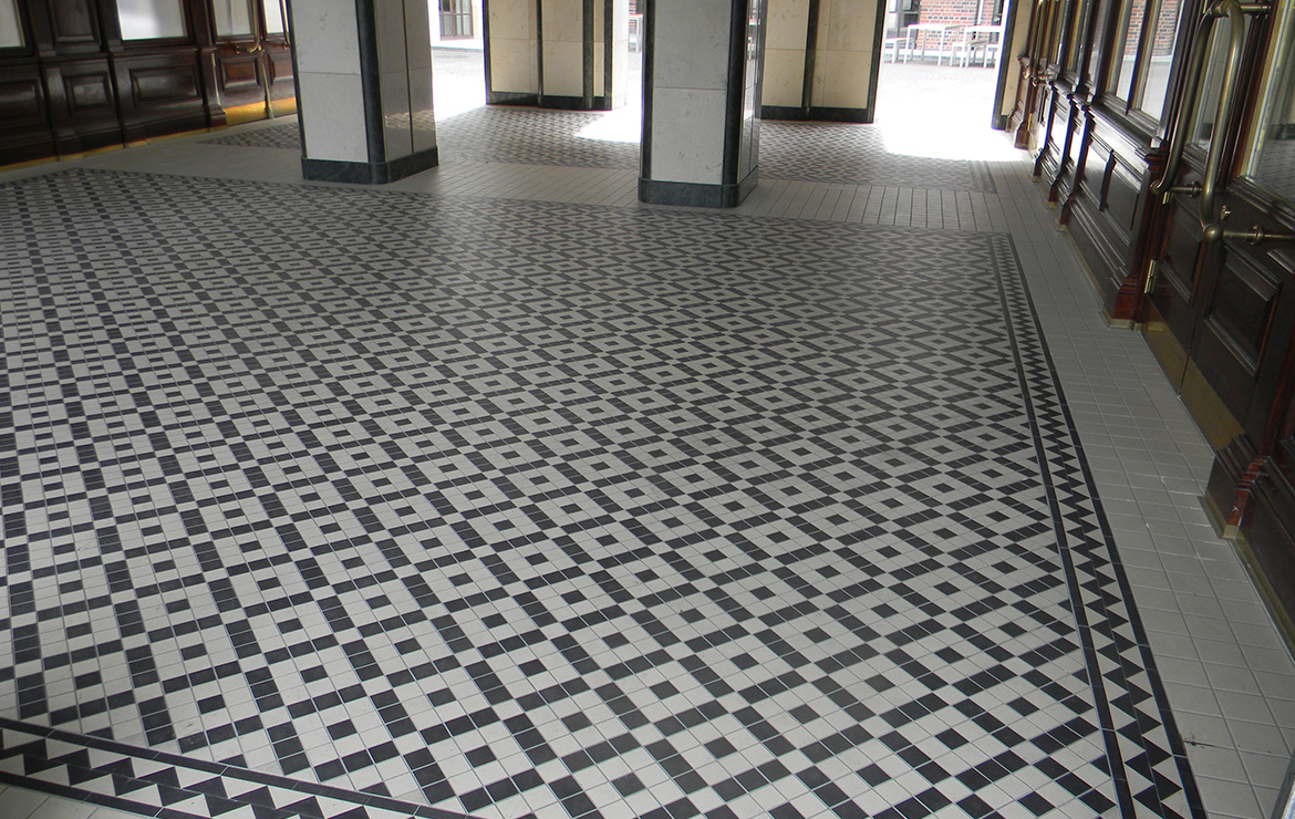 Victorian style commercial building floor design with Winckelmans Blanc (White) and Noir (Black) 10x10.